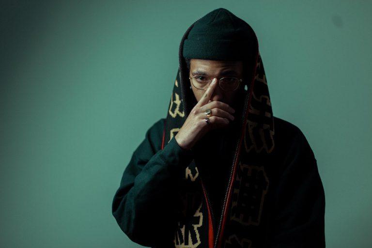 Ahzumjot vs. The Beats: »Junge, Autotune gibt's in meiner Musikwelt, da hattest du noch nicht mal Ohren!« // Feature