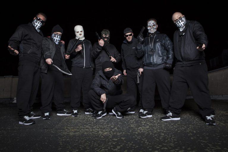 Hirntot Records: »Die haben den entsprechenden Gewaltdarstellungsparagraphen erweitert – unsertwegen!« // Interview