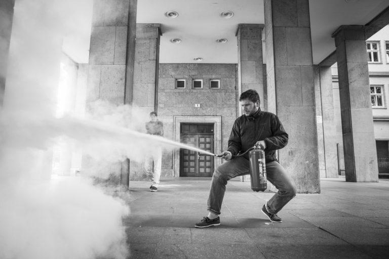 Leiwand auf Leinwand: Rap goes Art School // Feature