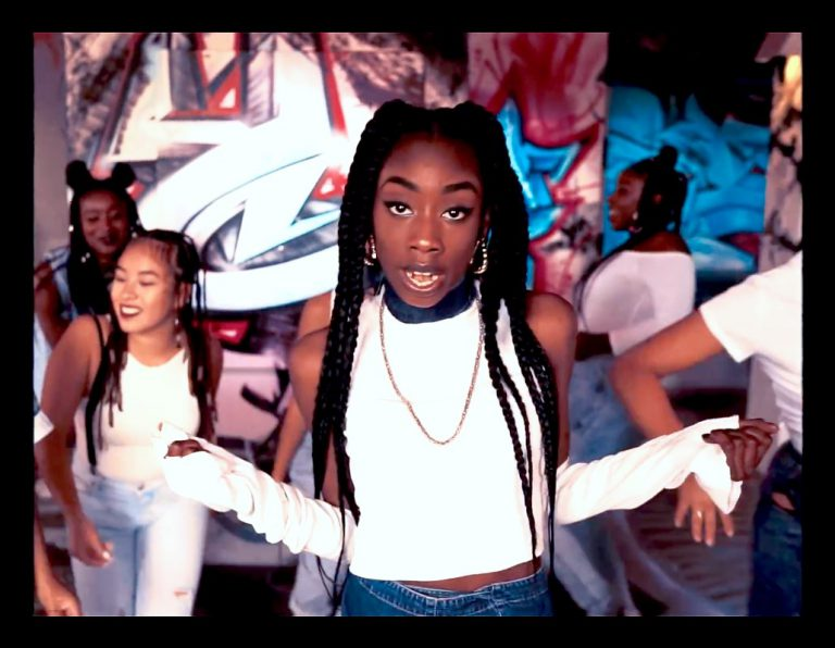 »Ich liebe geilen Sound«: Ace Tee über ihre Einflüsse // Feature