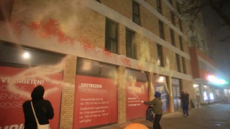 Graffiti statt Gentrifizierung: wie Berliner ihren Kiez retten // Video