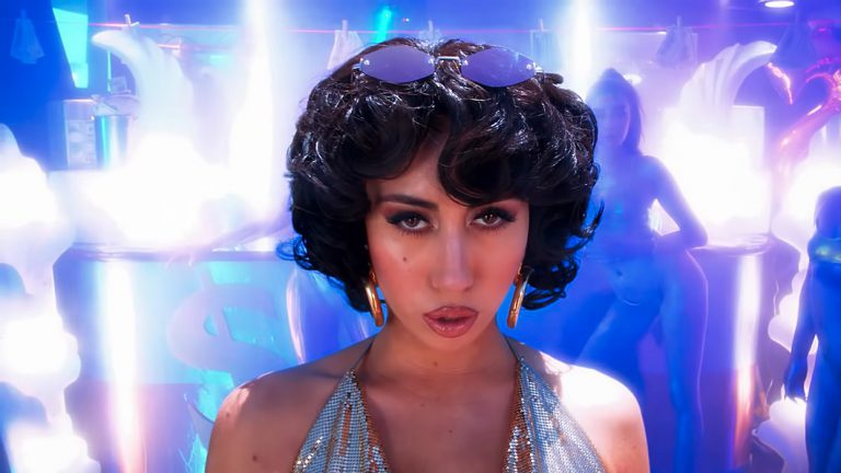 Kali Uchis feat. Steve Lacy – Just A Stranger // Video