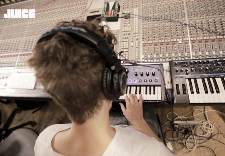 OK Kid – Track by Track – »15. Februar (Kaffee warm 2)« [JUICE TV]