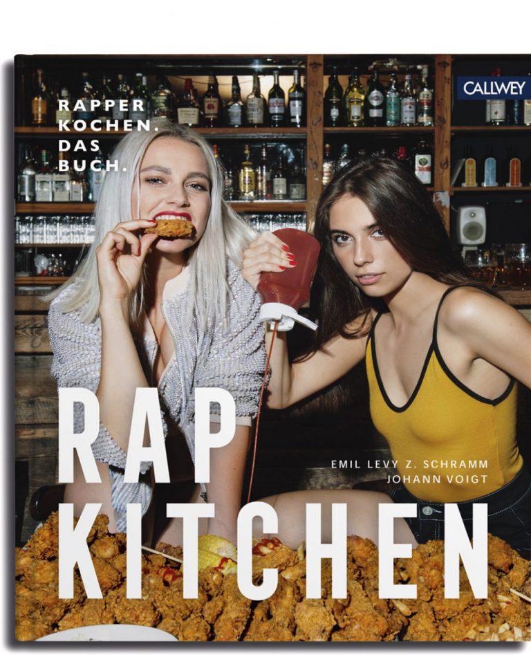 Gewinnt zwei Exemplare von »Rap Kitchen: Rapper kochen. Das Buch.« // Verlosung