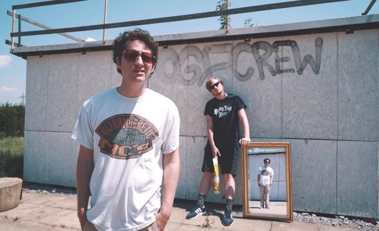 Dexter feat. Retrogott – Am Flughafen // Video