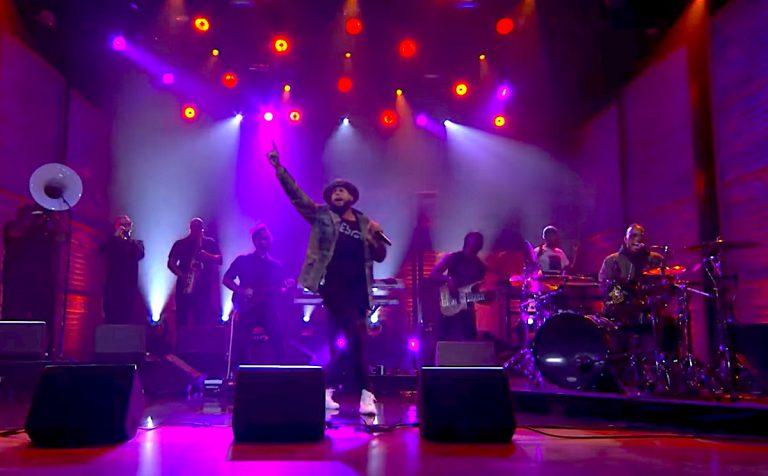 Talib Kweli feat. Anderson .Paak & Kaytranada – Traveling Light (@ Conan) // Video