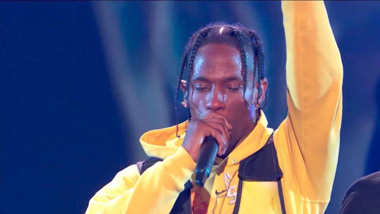 Travis Scott performt »Astroworld«-Medley bei den VMAs // Video