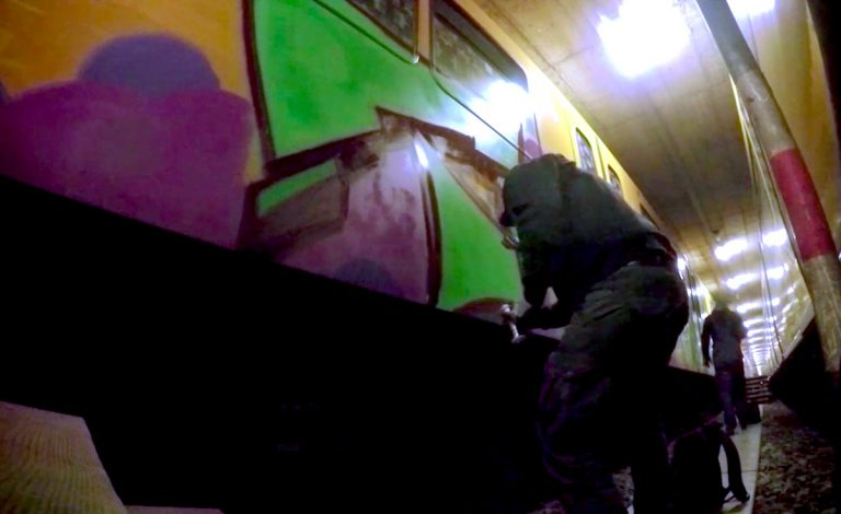 Trus malt in Berliner und New Yorker U-Bahn-Schächten // Video