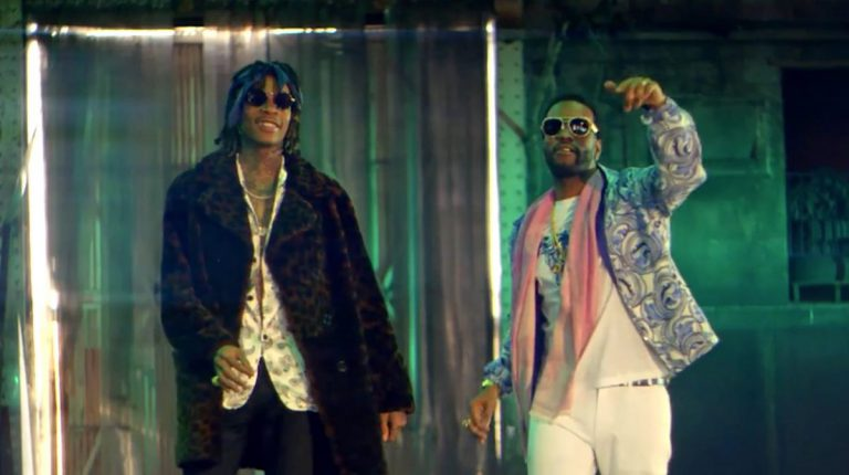 Juicy J & Wiz Khalifa – Cell Ready // Video