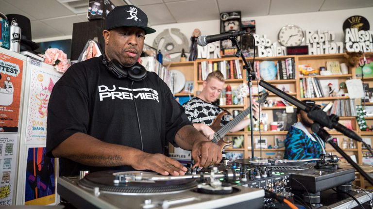 DJ Premier spielt »Nas Is Like«, »Moment Of Truth« und andere Classics mit Live-Band // Video