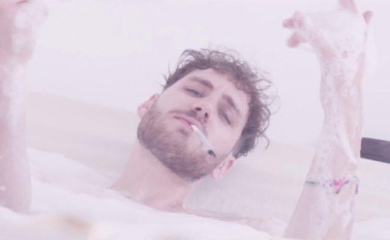 Holy Modee – Absturz // Video