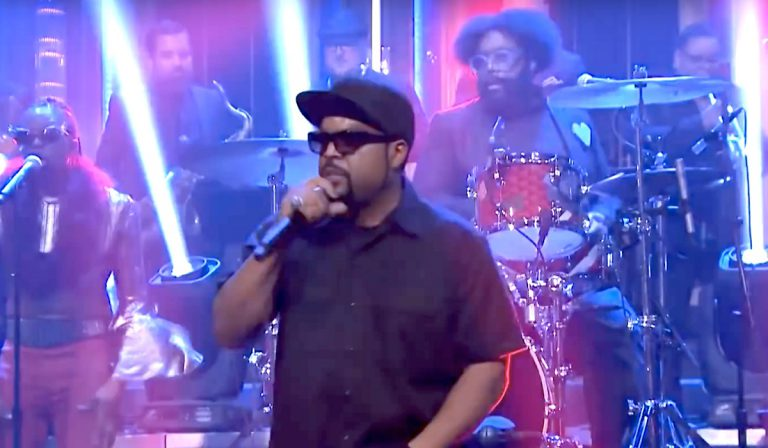 Ice Cube & The Roots performen »That New Funkadelic« bei Jimmy Fallon // Video