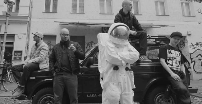 kiz_kosmonaut02