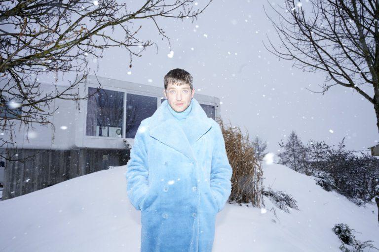 Maeckes: »Ein Album über Liebe ist vielleicht gar nicht so unmutig in diesen Zeiten« // Interview