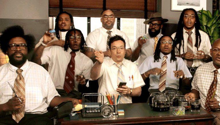 Migos, The Roots & Jimmy Fallon spielen »Bad & Boujee« mit Büroartikeln // Video