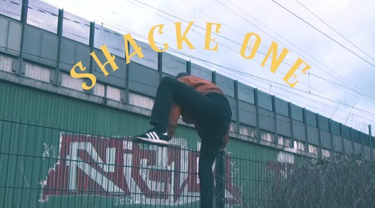 Geplatzte Party im Berliner Untergrund: Shacke One feiert Release von »Shackitistan« // Video