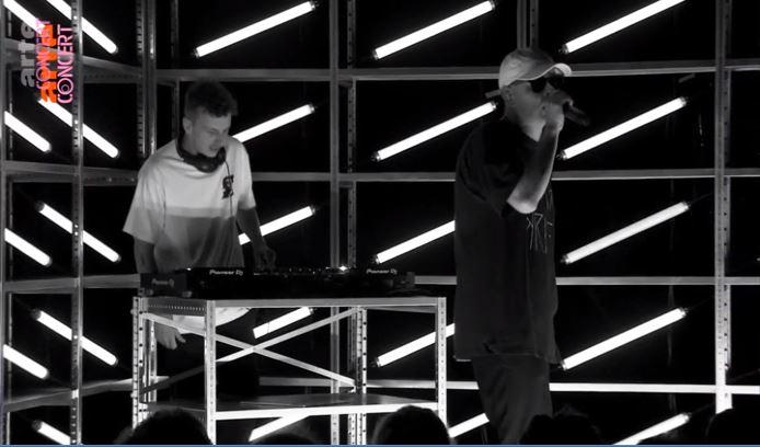 Im Re-Live: Trettmann spielt »Trettmann« von vorne bis hinten // Video